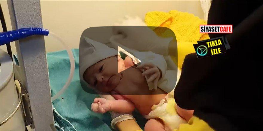 Doğum anında depreme yakalanan anne kamerada