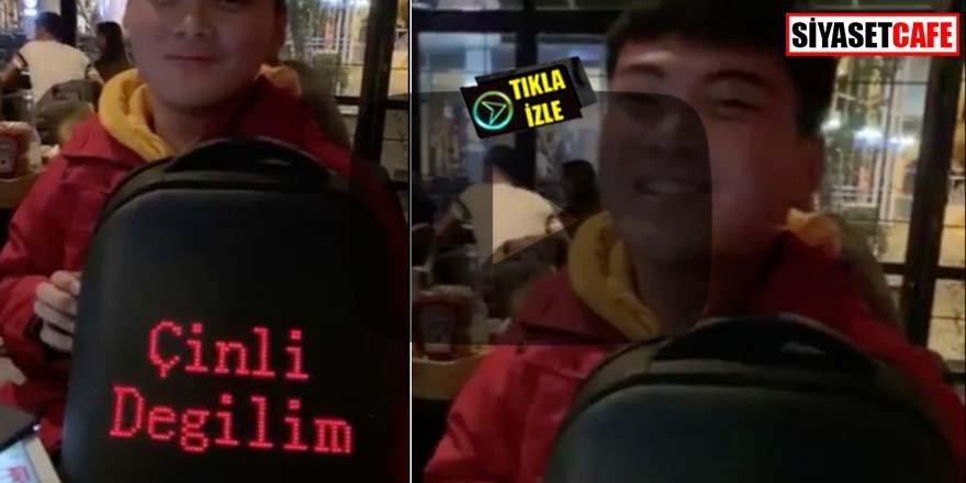 """Çantasına """"Çinli değilim"""" yazmıştı! Bakın o yazıyı neden yazdı?"""