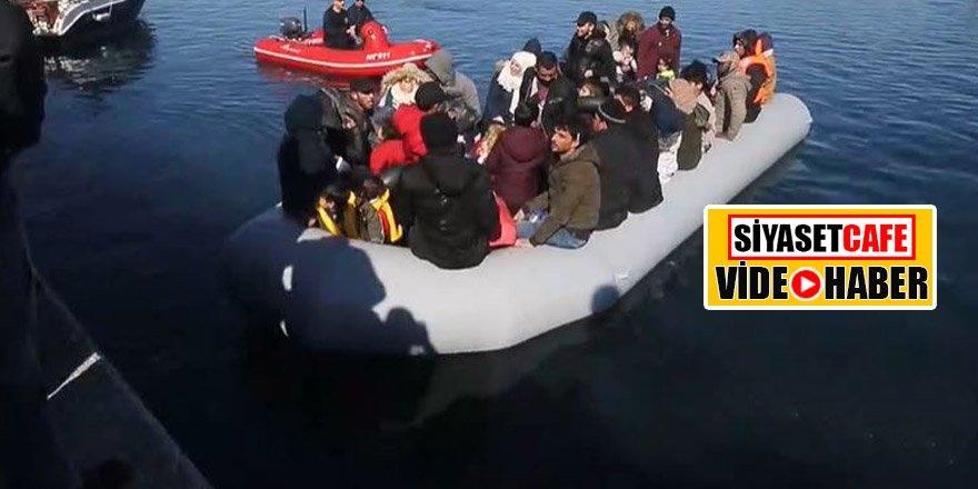 Yunan halkı mültecileri bottan indirmedi! Karaya çıkmalarını engellediler