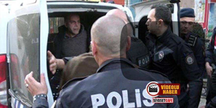 """Antalya'da bir kadını rehin alan emekli astsubay """"Virüslüyüm"""" deyip polise tükürdü"""