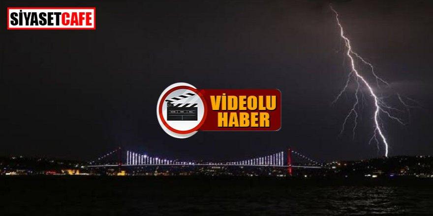 İstanbul'da gece şimşeklerle aydınlandı