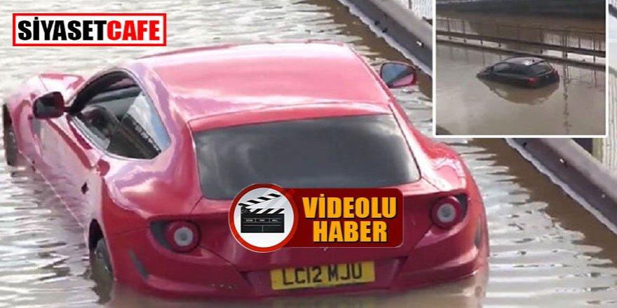 Londra'da arabalar sular altında kaldı