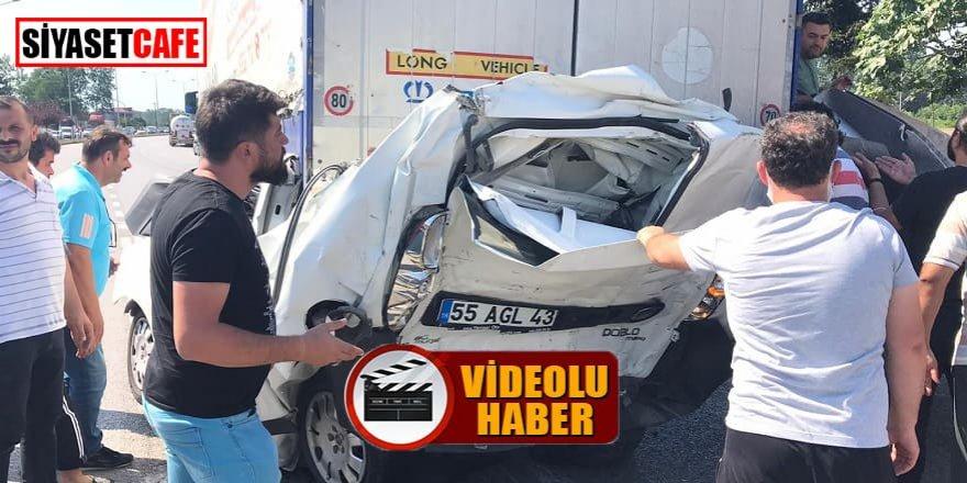 Ticari araç iki araç arasında kaldı: 1 ölü!