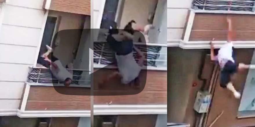 Sosyal medyayı sallayan görüntü! Saniyeler içinde balkondan düştü!