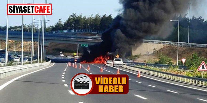 Çekmeköy'de korku dolu dakikalar: Otobüs alev alev yandı!