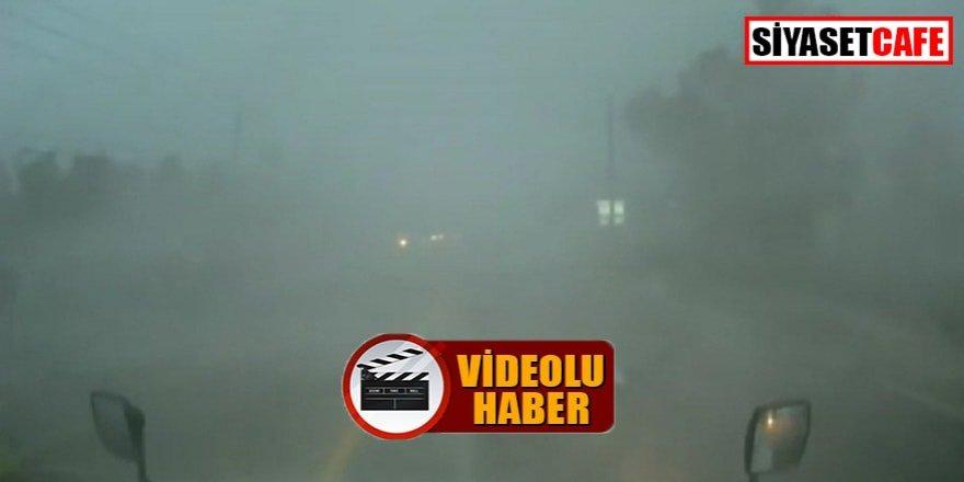 Film değil gerçek! Fırtınanın ortasında kalan kamyon böyle devrildi