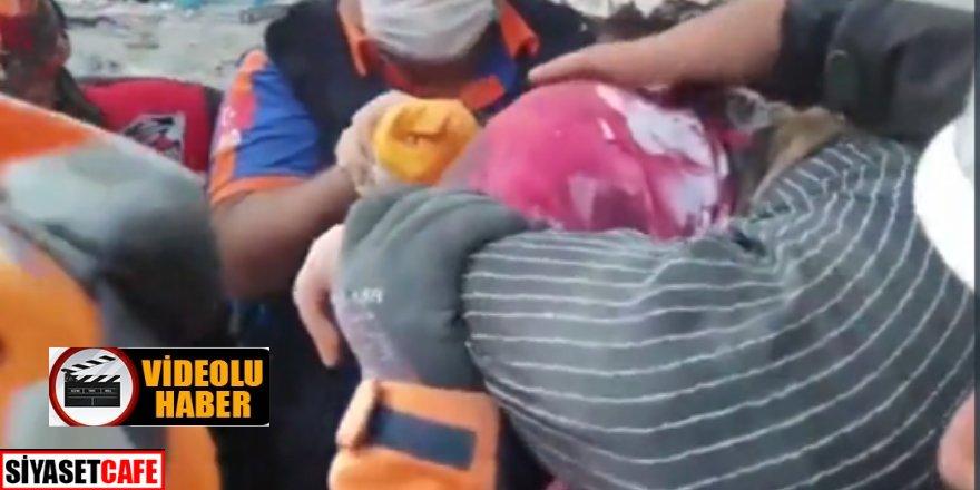 Bir umut daha! Anne ve 3 çocuğu kurtarıldı