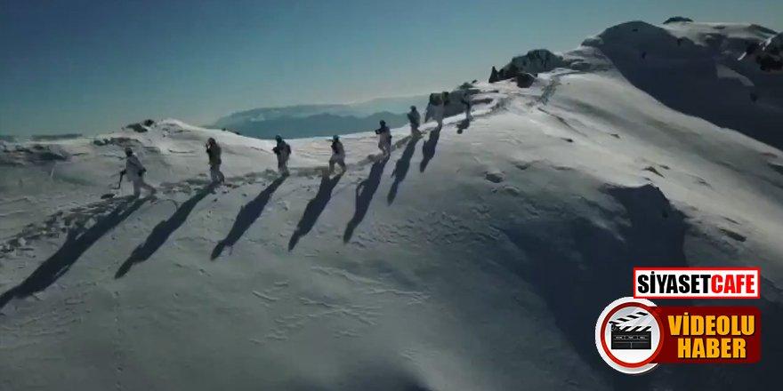 Komandolar sınır ötesinde dondurucu soğukta böyle görev yapıyor