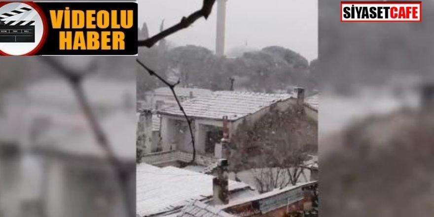 İzmir'de yüksek kesimlerde kar yağışı