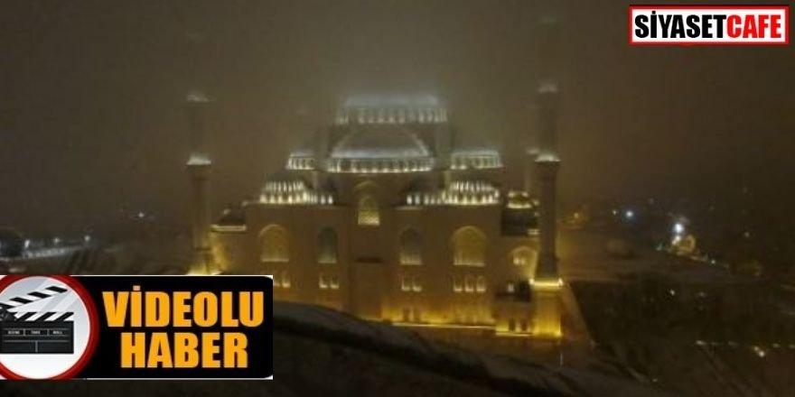 Beyaza bürünen Çamlıca Camii görenleri hayran bıraktı