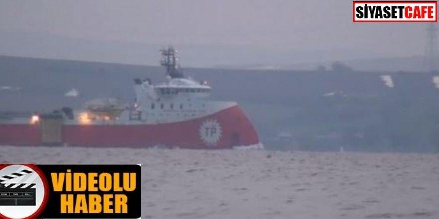Barbaros Hayrettin Paşa' sismik araştırma gemisi Çanakkale Boğazı'ndan geçti