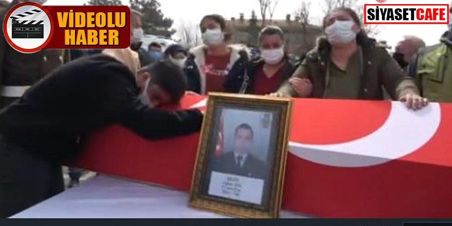 Şehit Uzman Çavuş Hakan Gül'ün cenazesi: 'Hoşgeldin' diye karşılandı