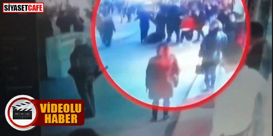 Gazeteci Levent Gültekin'e kalabalık bir grup saldırdı