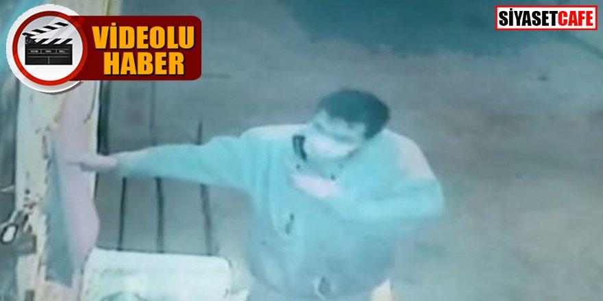 Türk bayrağına çirkin saldırı kameralara yansıdı