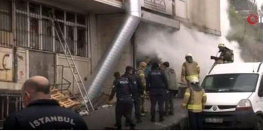 Arnavutköy'de feci yangın: 4 kişi yanarak can verdi