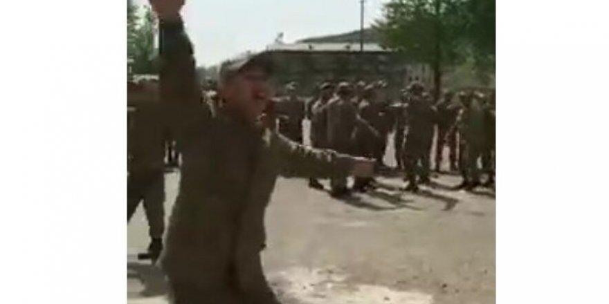 Azerbaycan askerleri Karabağ zaferini böyle kutladı