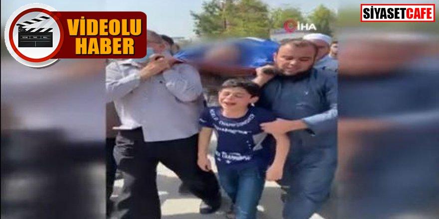Filistinli çocuğun İsrail saldırısında ölen babasına yürek yakan vedası