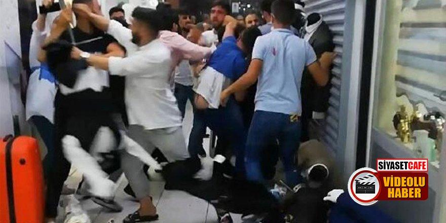 Eminönü'nde esnaf birbirine girdi! Ortalık savaş alanına döndü
