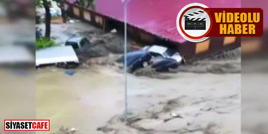 Kastamonu'da korkutan sel görüntüleri: Mahalle savaş alanına döndü