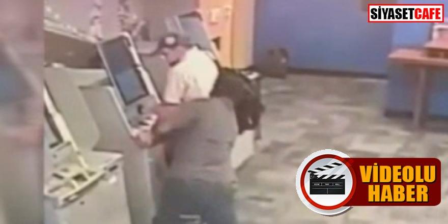 Şok eden olay: ATM'de baltalı saldırıya uğradı