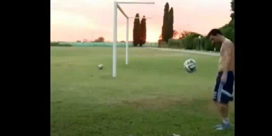 Messi'den fizik kurallarını alt üst eden vuruş