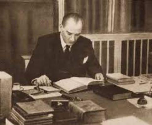 Atatürk'ün kendi sesi ile 'Ne Mutlu Türküm Diyene'