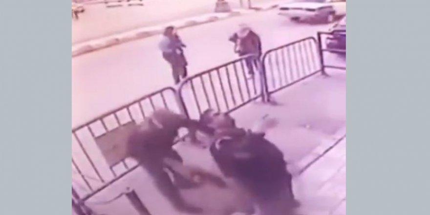 Polis camdan düşen çocuğu havada yakaladı